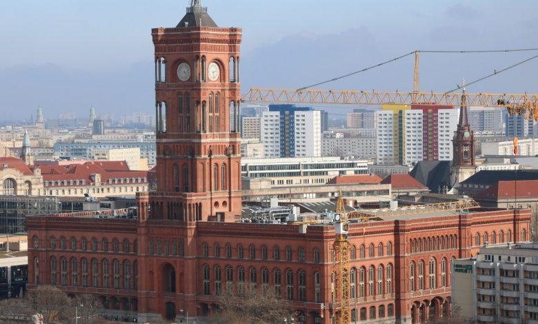 Rotes Rathaus vom Berliner Dom