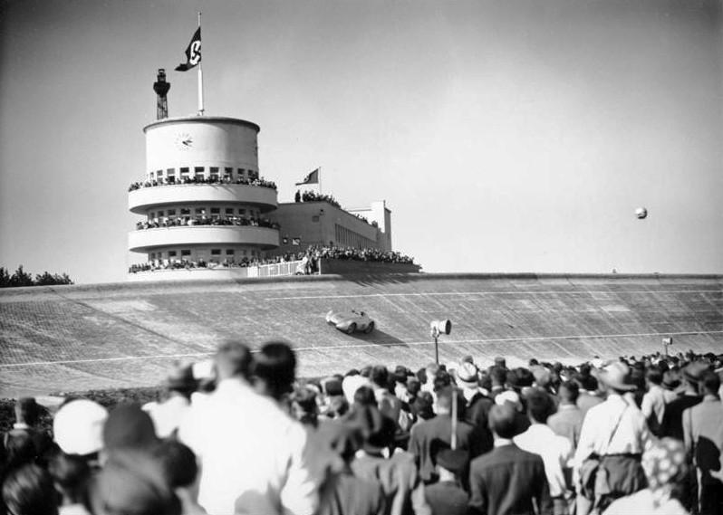 Rennen auf der Avus 1936 - Bundesarchiv, B 145 Bild-P016402 CC-BY-SA 3.0
